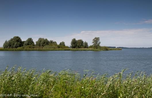 Foto van de Gouwzee, genomen bij Marken.