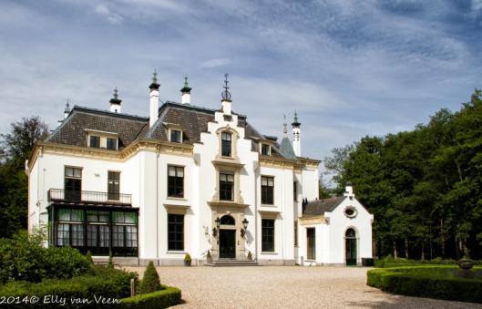 Het huidige kasteel is gebouwd in 1905